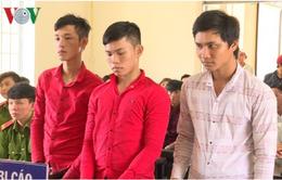 Vĩnh Long: Xét xử 4 đối tượng đốt xe, chống người thi hành công vụ