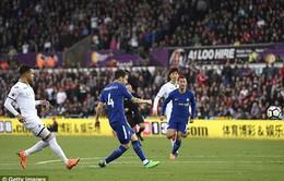 Fabregas thiết lập kỷ lục mới tại Ngoại hạng Anh
