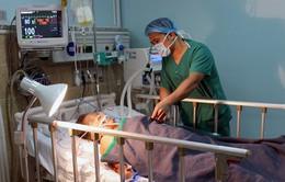 Cứu sống 2 mẹ con bị đâm nguy kịch nhờ báo động đỏ bệnh viện