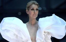 Trước khi phẫu thuật, khả năng nghe của Celine Dion rất kém