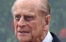 Hoàng tử Philip của Anh vào bệnh viện để phẫu thuật hông