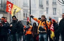 Pháp: Cuộc sống hàng triệu người bị xáo trộn vì công nhân đường sắt đình công