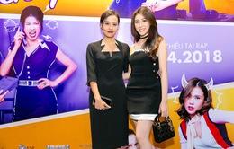 """Hoa hậu Hoàng Kim """"đọ sắc"""" cạnh diễn viên Hồng Ánh tại buổi ra mắt phim """"Yêu em bất chấp"""""""