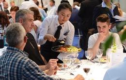 Ăn ở nhà hàng có thể làm xáo trộn hoóc môn