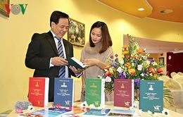 Ra mắt Tập 5 bộ Đại từ điển giáo khoa Czech - Việt tại Praha