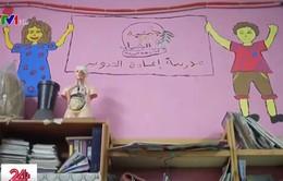 Trường học dạy tái chế rác tại Ai Cập