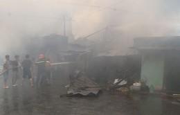 Tiền Giang: Nhiều căn nhà ở thành phố Mỹ Tho bị lửa thiêu rụi