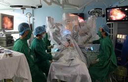 Triển khai đưa robot vào điều trị các bệnh lý phức tạp
