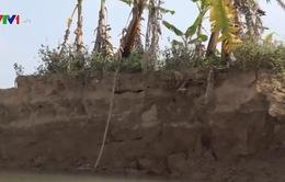 Sạt lở đất do khai thác cát trái phép ở Hải Dương