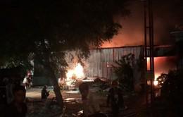 Cháy lớn thiêu rụi kho hàng điện máy tại Ninh Thuận