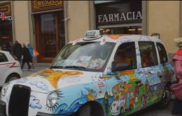 Nữ tài xế taxi chở bệnh nhân ung thư miễn phí