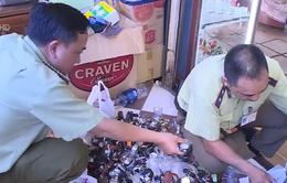Thu giữ số lượng lớn hàng giả tại chợ Bến Thành