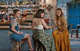 """Mamma Mia tung trailer hé lộ bà ngoại """"không phải dạng vừa đâu"""" của Sophie"""