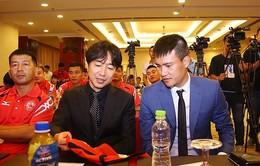 CLB TP.HCM bác tin sa thải HLV Miura, ủng hộ tiến cử Công Vinh