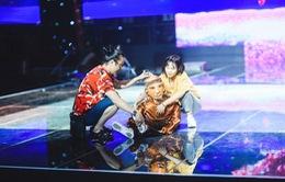 """Chung kết Sing My Song: Học trò Lê Minh Sơn """"cõng chồng"""" lên sân khấu"""