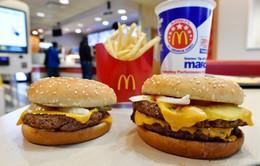 Anh: Đề xuất cấm quảng cáo đồ ăn nhanh trên mạng lưới giao thông