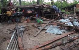 Lốc xoáy làm hàng chục nhà dân ở Tiền Giang sập, tốc mái