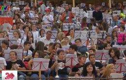 Tiết học âm nhạc lớn nhất thế giới tại Tây Ban Nha