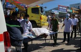 Xe tải cuốn nhiều xe máy vào gầm, ít nhất 6 người tử vong