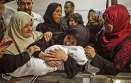 Bé gái 8 tháng tuổi thiệt mạng vì hơi cay tại Dải Gaza