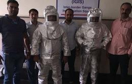 Hai bố con người Ấn Độ mang NASA ra để lừa đảo