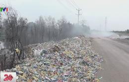 """Đổ trộm rác thải """"hoành hành"""" tại Long An"""