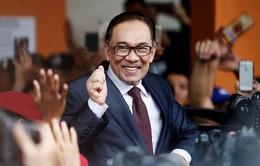 Chính trị gia Malaysia Anwar Ibrahim ra tù