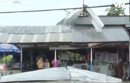 Lốc xoáy làm hàng chục căn nhà tại An Giang tốc mái
