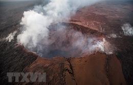 Hawaii: Núi lửa Kilauea tạo ra cột tro bụi cao 9.000 mét