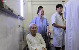 Thay khớp háng bán phần thành công cho cụ bà 104 tuổi
