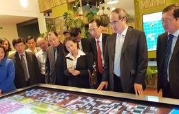 Đồng chí Nguyễn Thiện Nhân thăm nhà máy xử lý nước thải của Nga