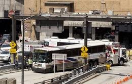 Mỹ: Va chạm xe bus tại hầm ở New York, 32 người bị thương