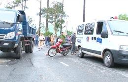 Đà Lạt: Xe máy tông xe tải khiến 2 người thương vong