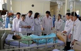 Đại diện Bộ Y tế thăm hỏi bệnh nhân vụ tai nạn nghiêm trọng tại Lâm Đồng
