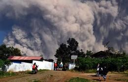 Indonesia nâng cảnh báo núi lửa Merapi lên mức cao thứ hai