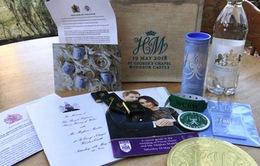 Quà tặng đám cưới Hoàng gia Anh được rao bán trên eBay