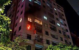 Cháy chung cư Vinaconex, cư dân hoảng loạn tháo chạy