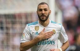"""Sắp bị Real cho """"ra rìa"""", Benzema vẫn không hết hot"""