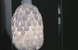 Cách làm đèn bằng thìa nhựa độc đáo