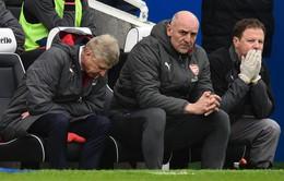 """HLV Unai Emery nói không, Arsenal chia tay """"di sản"""" của Arsene Wenger"""