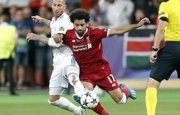 Salah từ chối nói về Ramos khi sang Tây Ban Nha chữa thương