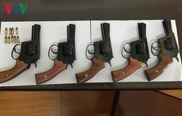 Bắt đối tượng tự chế 7 khẩu súng bán kiếm lời tại Hải Dương