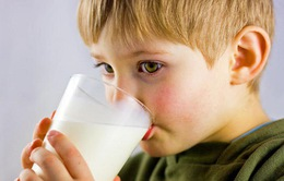 Một lít sữa mỗi ngày giúp trẻ béo phì ngừa bệnh tiểu đường