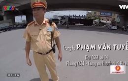 Gặp Trung tá CSGT ở Hà Nội không quản ngại giúp đỡ mọi người