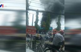 Cháy dữ dội cửa hàng xăng dầu tại Cần Thơ
