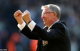 Sir Alex Ferguson có thể ngồi dậy, nói chuyện sau ca phẫu thuật