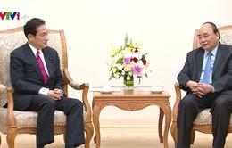 Thủ tướng Nguyễn Xuân Phúc đề nghị tạo điều kiện để thủy sản và hoa quả Việt Nam vào Nhật Bản