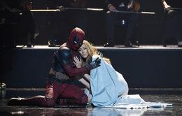 """""""Thánh lầy"""" Deadpool múa đương đại cùng Diva Celine Dion"""