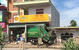 Nghệ An: Xe chở rác mất lái gây tai nạn, 3 người bị thương