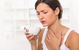 Bộ Y tế khuyến cáo 7 việc cần làm khi bị sốt, ho, đau họng, khó thở trong dịch COVID-19